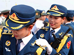 图片故事:三军仪仗队女兵的训练日记[组图]