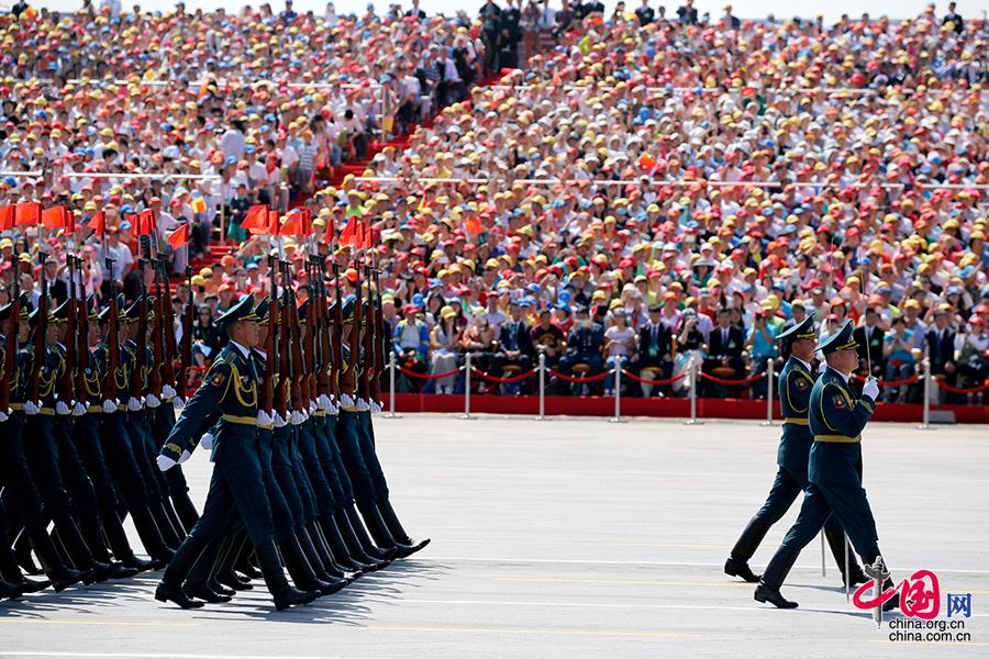 吉爾吉斯斯坦軍隊方隊[組圖]