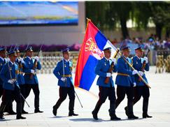 塞尔维亚武装力量方队[组图]